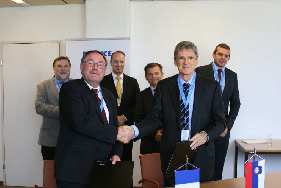 "Signature de l'accord ICERR ""affiliate"" entre la Slovénie et la France - JPEG"